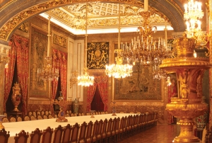 Eetzaal in Palacio Real. Bron: www.womenworld.org